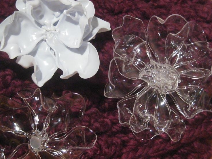 Three flowers made from melting plastic spoons spoon for Flowers made out of plastic spoons