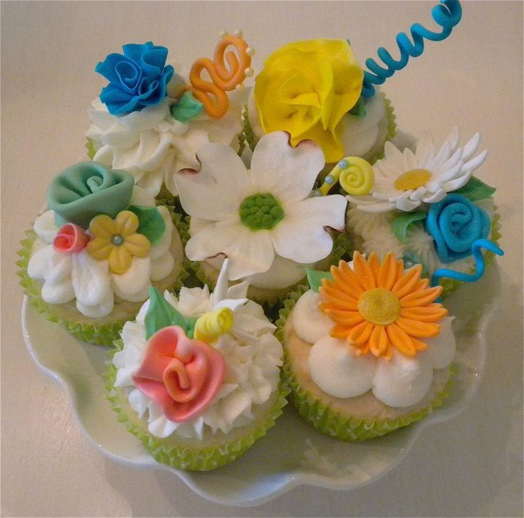 Cake Decorating Ideas Summer : Summer Flowers cakes/gum paste and fondant Pinterest