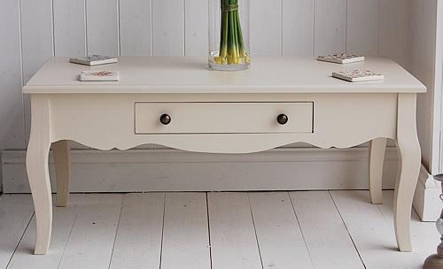 cream-coffee-table | Interior Decoration | Pinterest: pinterest.com/pin/502855114614093000