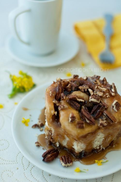Sticky Pecan Caramel Cinnamon Rolls | breakfast | Pinterest
