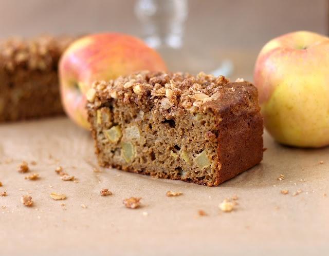 Apple Pie Bread with Walnut-Oatmeal Streusel - 180 calories