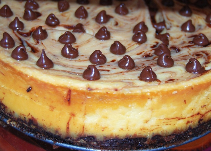 Chocolate Chip Cheesecake with a Chocolate Drizzled Shortbread Crust