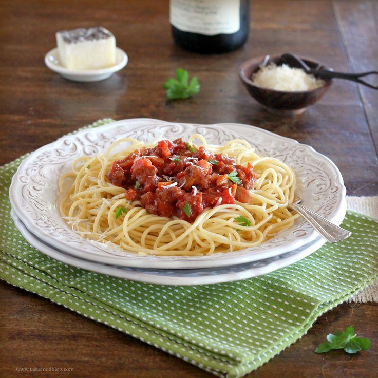 Spaghetti Bolognese TasteFood | Food and Drink | Pinterest