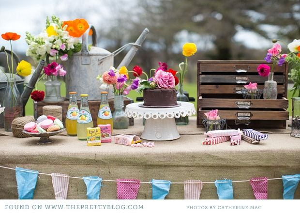 floral and colourful spring wedding decor from the pretty blog