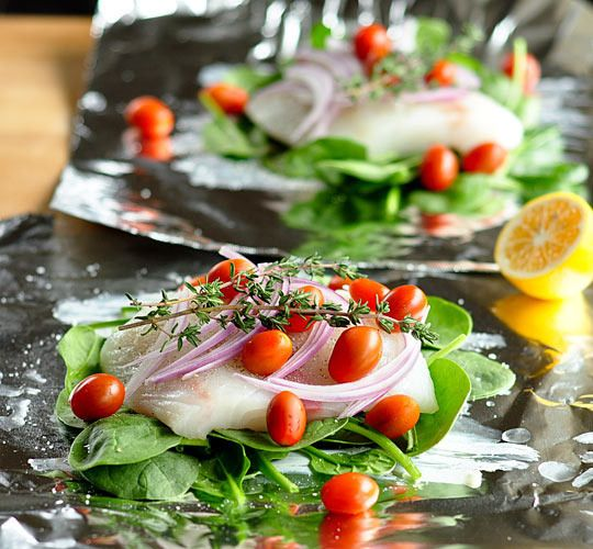 Baked Fish, Spinach, And Tomatoes In Foil Packets Recipes ...