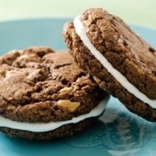 Black-and-White Cookie S'mores Makes 28 to 30 sandwiches 3/4 cup ...