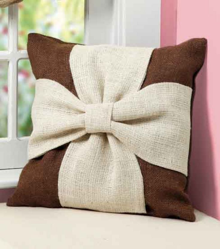 Burlap Knot Pillow | Sewing for the Home | Pinterest