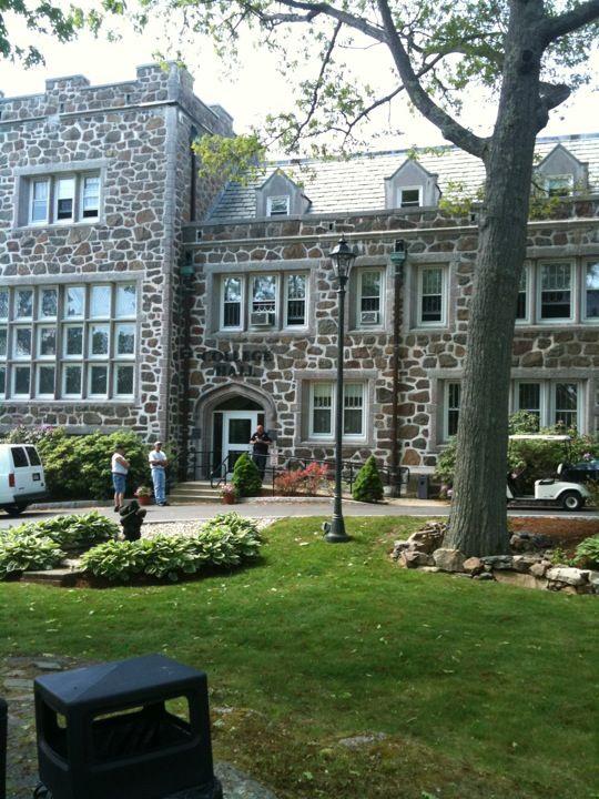 endicott college application essay