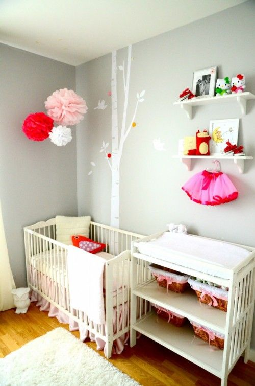 Great use of color pops in this nursery :) Those pom-poms! #design #decor #interior #style #babies #nusery