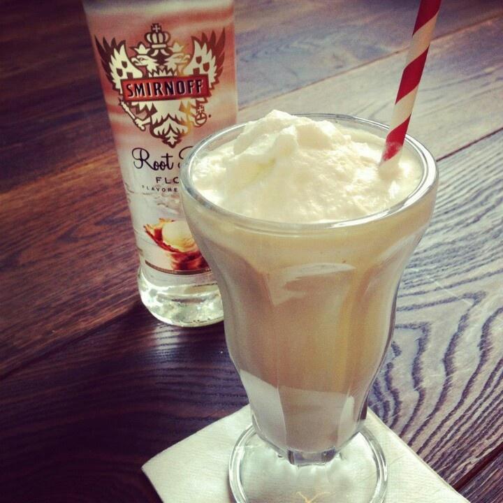 Root beer vodka float | Drinkin and Snackin! | Pinterest