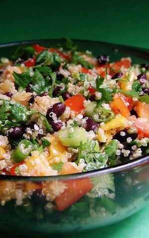 Quinoa, Mango Black Bean Salad is a beautiful colorful healthy salad ...