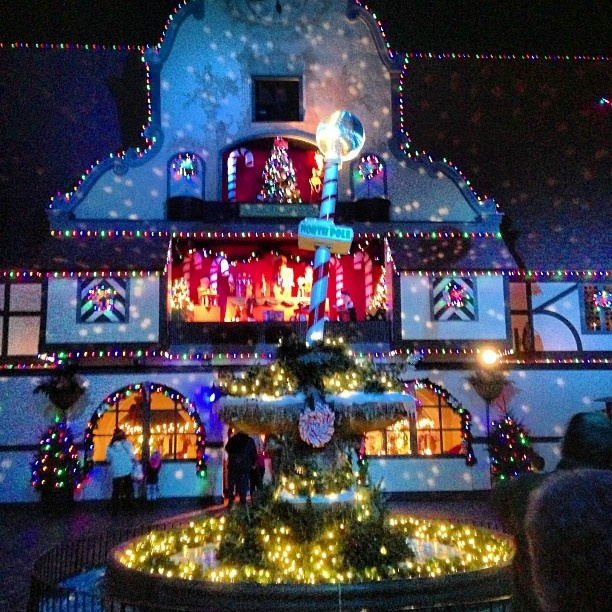 Pin By Bob Harris On Christmas In Williamsburg Pinterest
