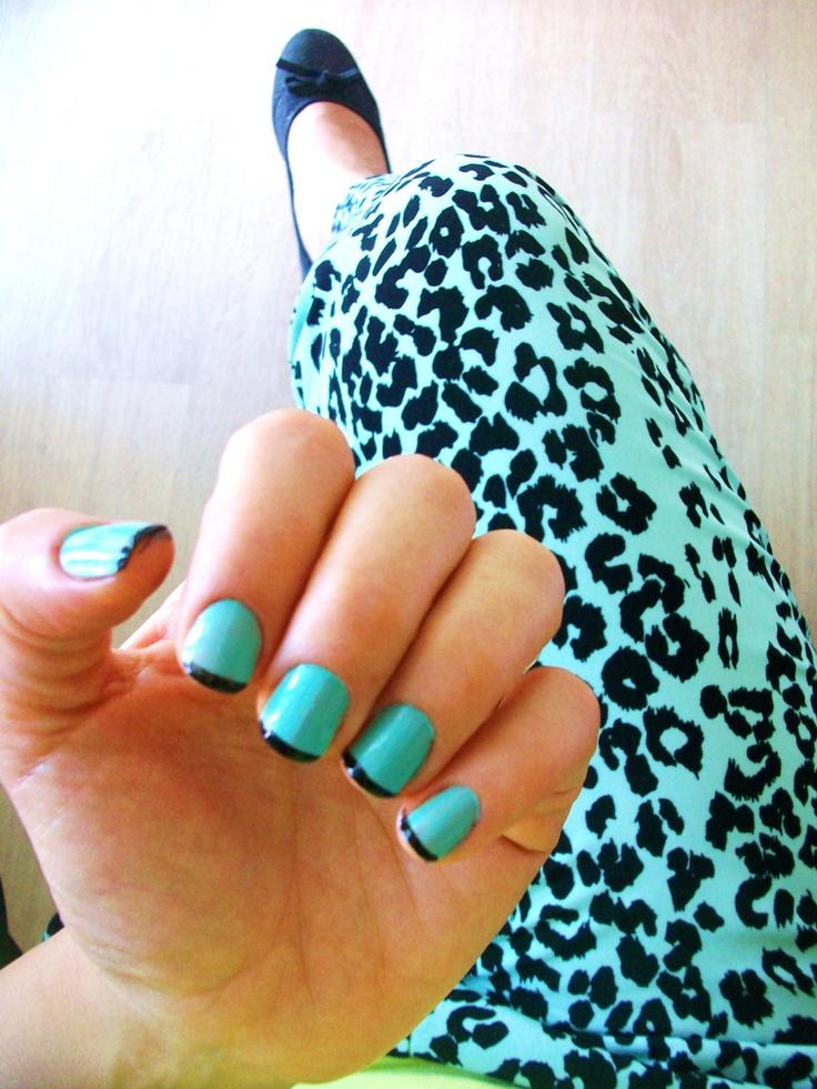my mint green printed pants and matching nails