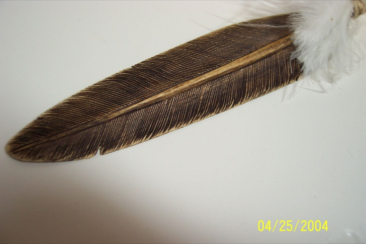 Wood burning each line gave this feather some personality. Tupelo gives off a fragrant aroma when wood burned. Wood Cream finished for a satin luster. It is also very light weight like a feather.