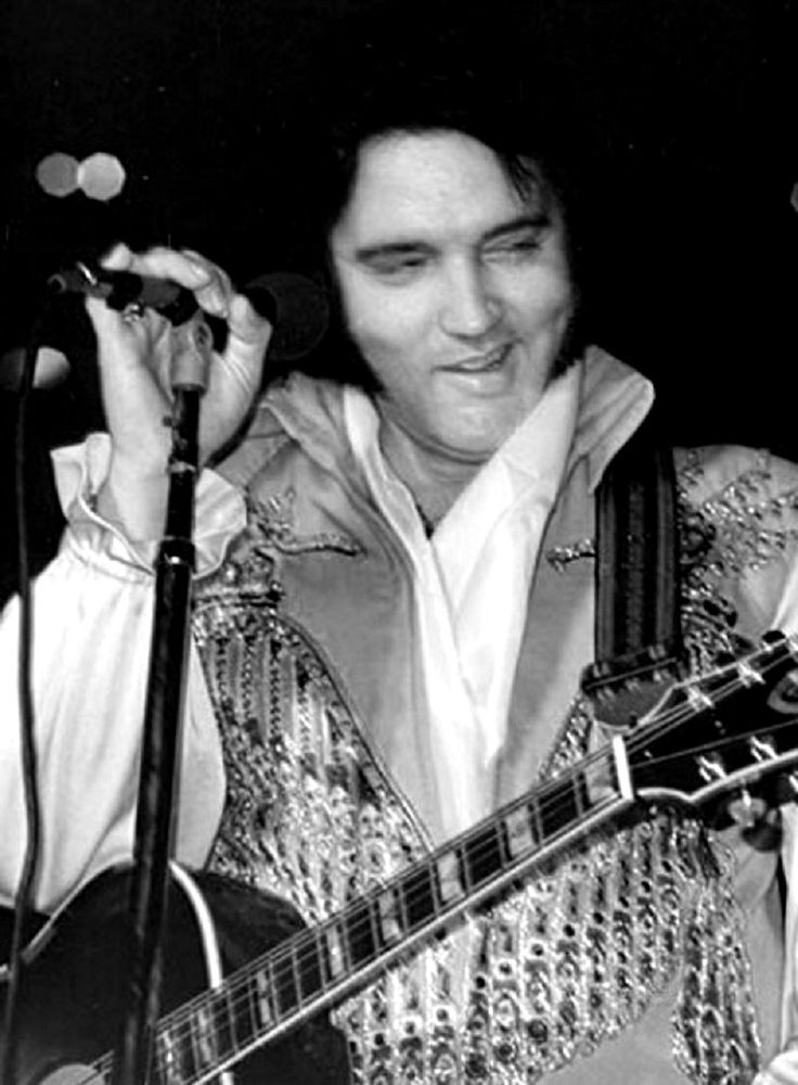 Elvis Presley - There's A Whole Lotta Shakin' Goin' On