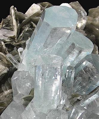 Beryl var. Aquamarine crystals cluster on bladed Muscovite matrix / Nagar, Pakistan