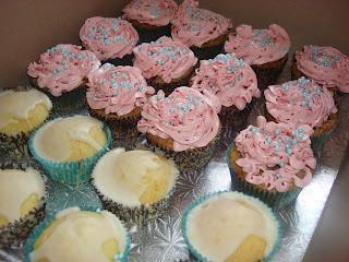Raspberry pistachio cupcakes with a raspberry meringue buttercream ...