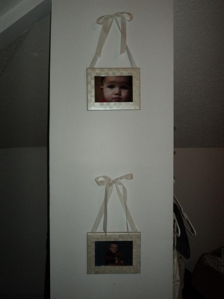ribbon hanging frames Nikkis Homemade Stuff Pinterest