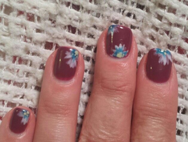 Flower nail artNails by Margene in Sioux Falls, SD