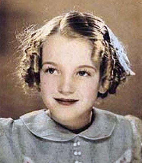 Marilyn Monroe    (six years old)