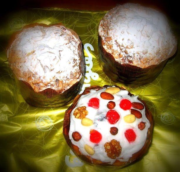 Cobertura para panettones o pan dulce  http://decoraciondemabel.blogspot.com.es/2012/11/coberturas-para-panettones-o-pan-dulce.html