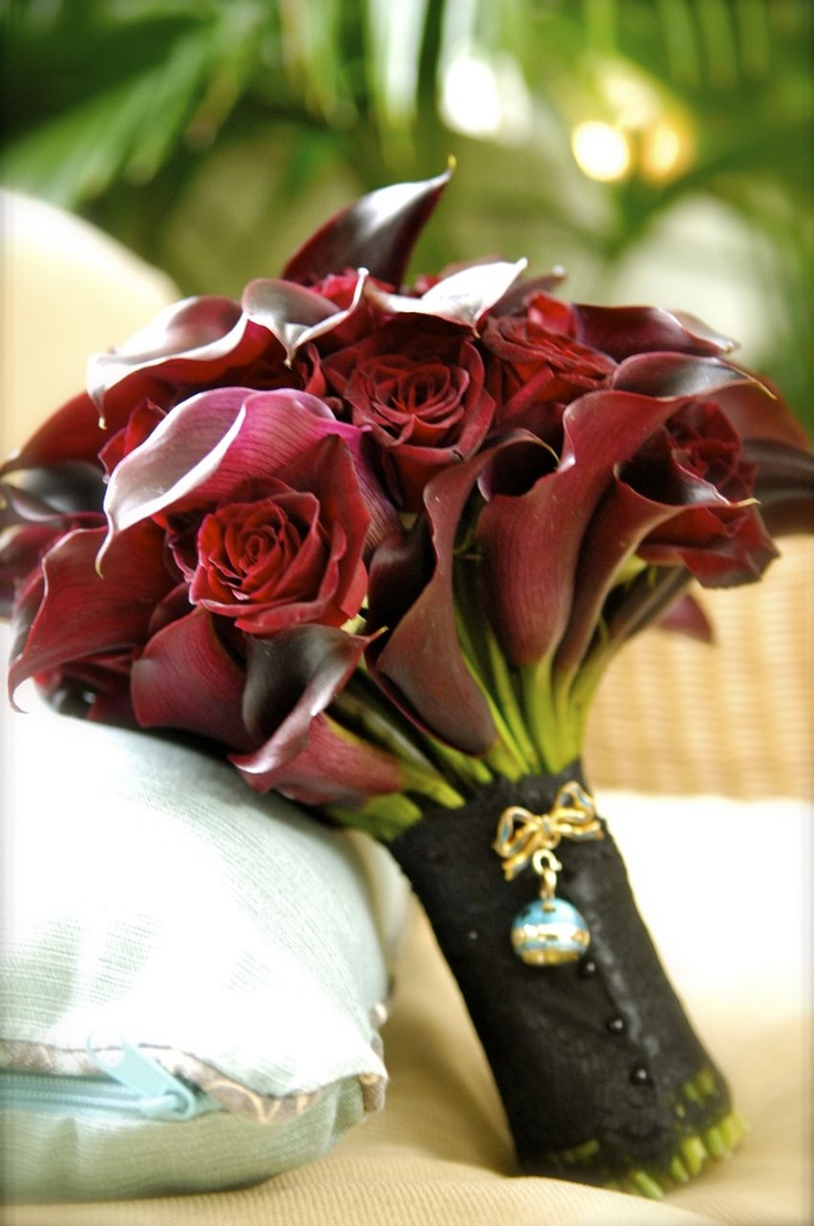 red Roses and lillies bouquets