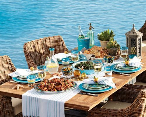 #Turquoise plates are perfect for a summer day!
