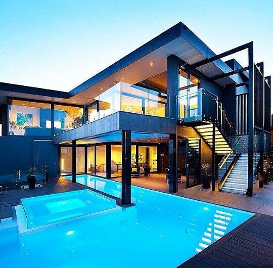 Modern House On Iron Pillars Home Design Pinterest