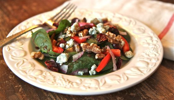 How to Make Easy Balsamic Salad Dressing