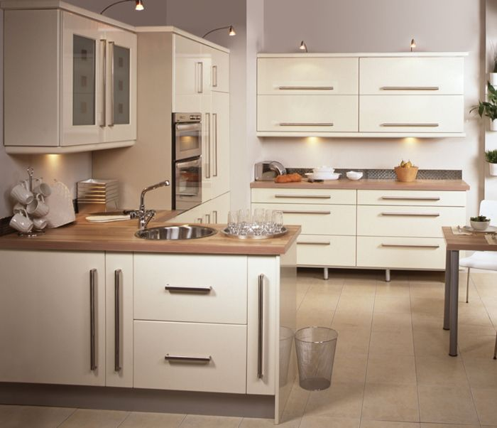 White glossy kitchen  For the Home  Pinterest
