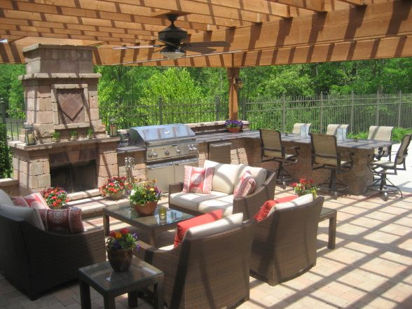 Outdoor kitchen with pergola garden pinterest for Pergola outdoor kitchen