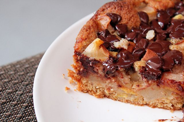 Pear and bittersweet chocolate cake | Cakes | Pinterest