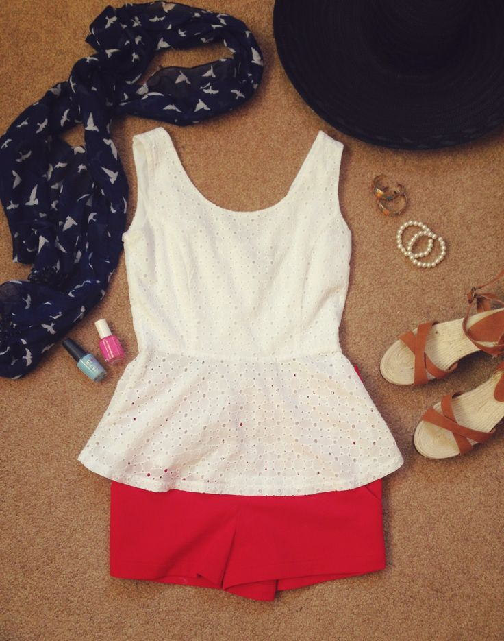 Easy and comfortable summer outfit. Perfect for a day at the beach or boardwalk!