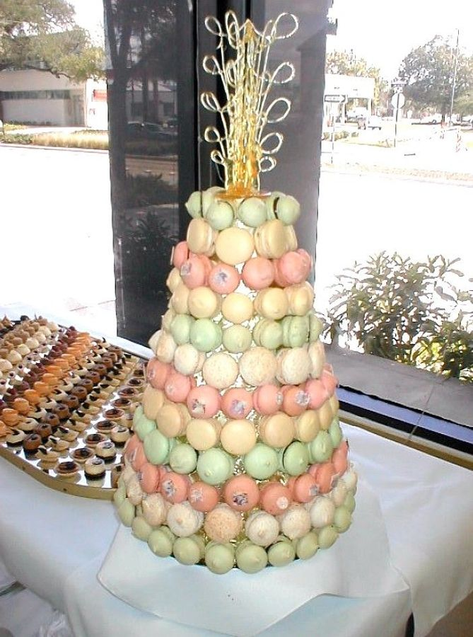 macaroons which are made from powdered sugar, egg whites and almond ...