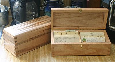 ... saws but for you wood workers - this is great 2-row recipe box plan