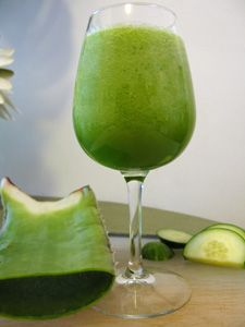 Green Smoothie Recipe...it's about the presentation!    2 - 3 sweet fruits, 1 vegatable fruit or celery stalk, and 2 cups fresh greens...blend away.  GOING TO START GIVING THIS A TRY!!!