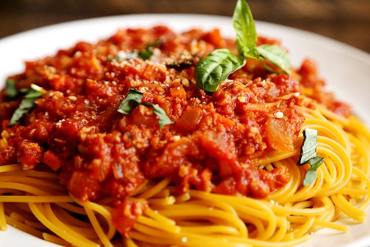 how to make spaghetti bolognese with prego sauce
