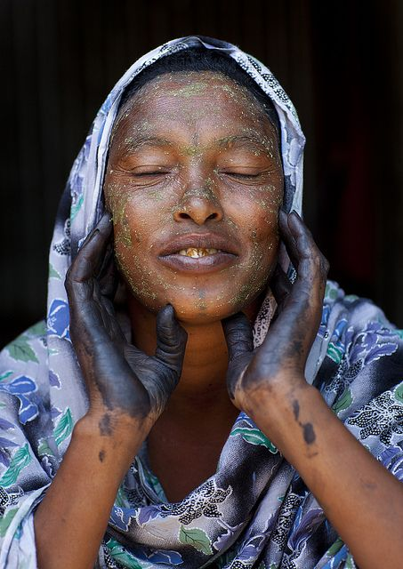 Beautiful Woman With Henna Painted Hands  Hargeisa Somaliland by Eric Lafforgue, via Flickr