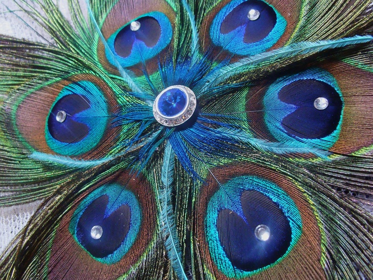 Pin by sharrel lorenzo on peacock decorating ideas pinterest for Peacock feather decorations home