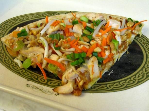 Spicy Thai Chicken Pizza With Peanut Sauce from Food.com: This ...