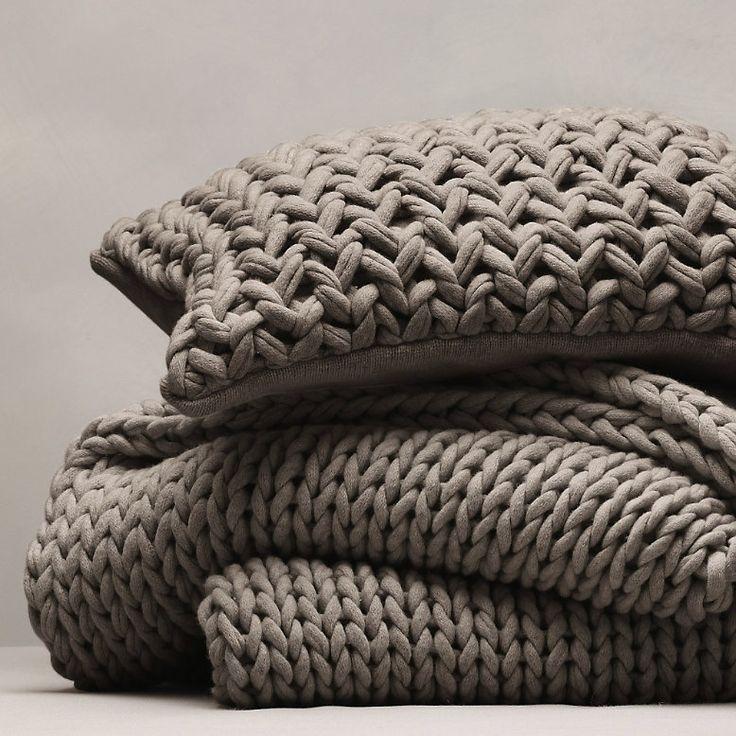 Knitting Patterns For Cushions And Throws : Hoy os enseno como se hacen los puntos para trabajar el trapillo - Decora y d...