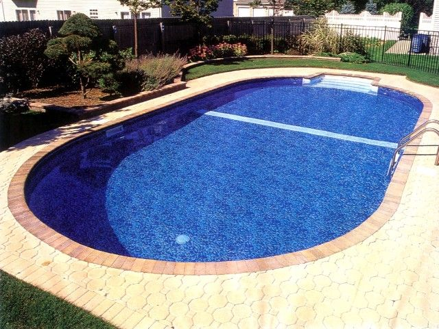 Oval inground swimming pool outdoors pinterest for Swimmingpool oval