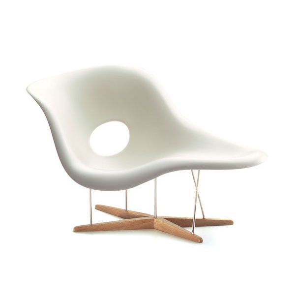 eames la chaise lounge chair by vitra