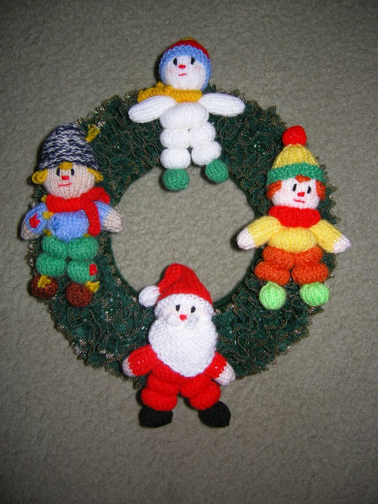 christmas wreath 3 knit in eyelet lace Pinterest