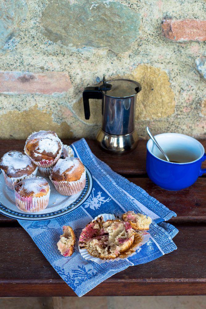 Strawberry Yogurt Muffins - mondomulia | Tea or coffee? | Pinterest