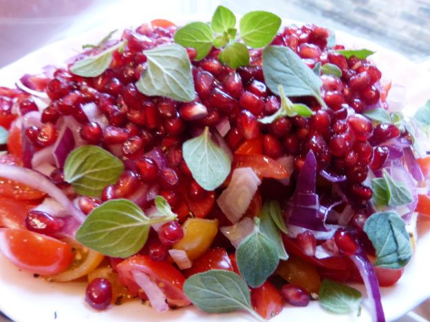 Tomato and Pomegranate Salad | A for A tAble! sAvoury | Pinterest