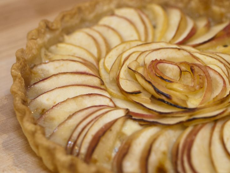 Apple & Brie Tart (with figs and walnuts) Recipe