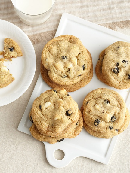 chocolate chip cookie blueberry and white chocolate chip jumbo cookie ...