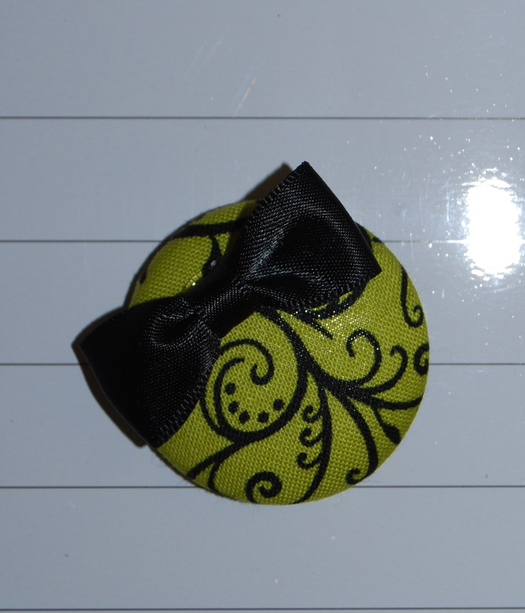 Fabric covered button magnet