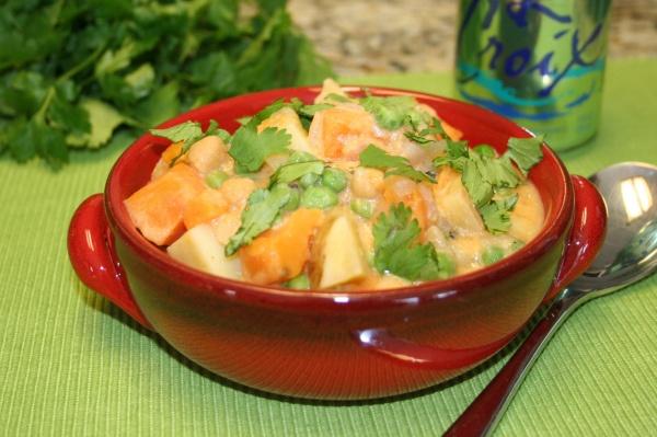Potato Chickpea Curry | Main Dishes from Veggie Yogi | Pinterest